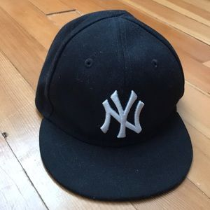 Baby Fitted Yankees Cap Infant size 6 - 48.3cm